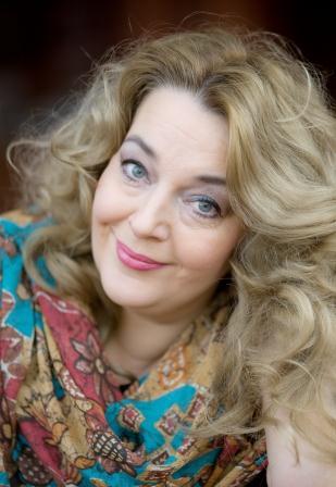 Inesa Linaburgyte VFilharmonija